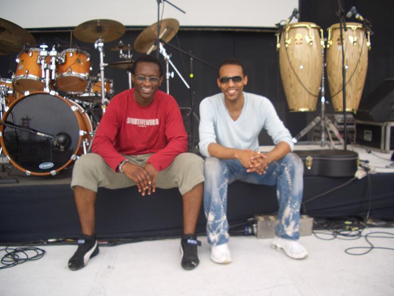 Tournée Salif Keita En Balance au Mexique avec Roger Biwandu (Drums).